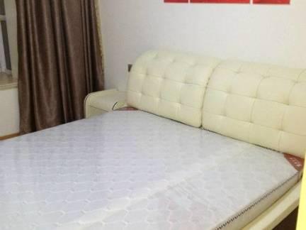 美式风格小户型卧室双人床装修设计