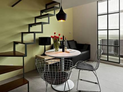 现代简约风格地下室楼梯吊灯图片欣赏