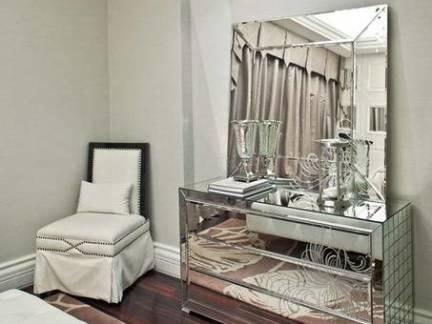 四室两厅欧式风格卧室梳妆台装修设计