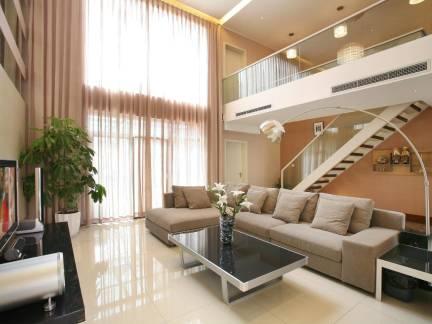 典雅复式楼挑高客厅沙发装修设计