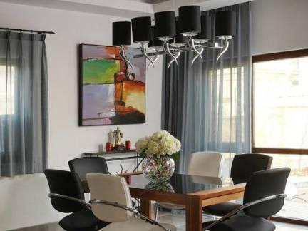 时尚简约别墅混搭餐厅吊顶照片墙效果图