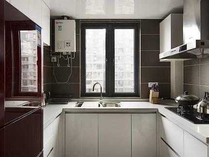现代四居室厨房整体橱柜装修欣赏
