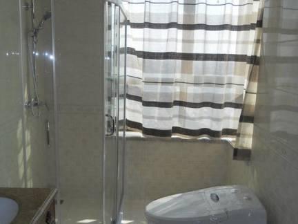 美式风格小户型卫生间窗帘装修设计