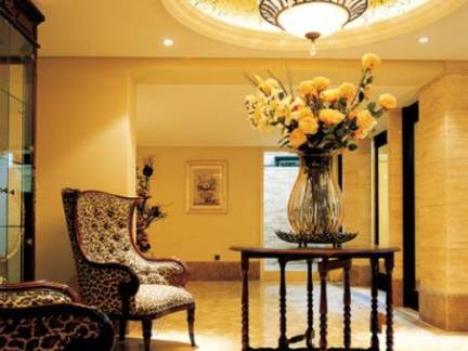 欧美风格别墅客厅吊顶装饰图片欣赏