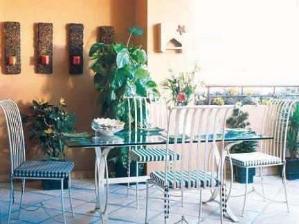 简约田园地中海餐厅绿植背景墙装修图
