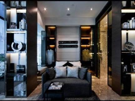 新古典风格现代三居室餐厅酒柜设计效果欣赏