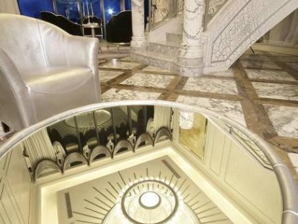 欧式别墅室内玄关大理石楼梯精装效果图