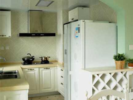 东南亚风格厨房白色储物柜实景图