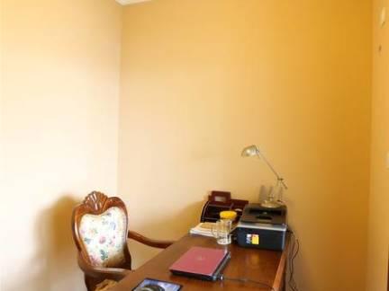 欧式风格小户型书房实木书桌装修设计