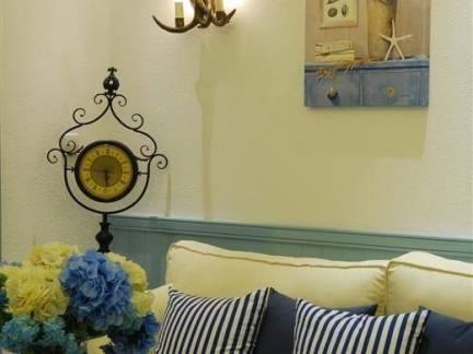 小资情调布艺沙发条纹抱枕效果图欣赏