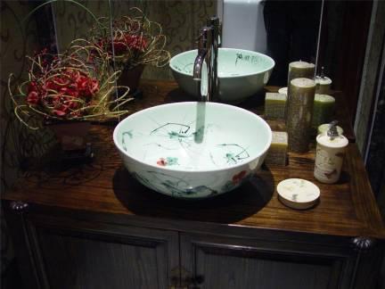 中式风格卫生间青花瓷洗脸盆装修设计
