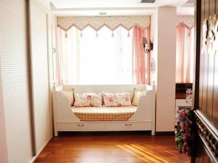 现代风格小空间卧室床美图