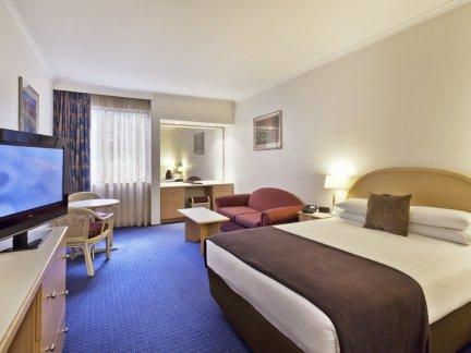简约风格宾馆房间装潢设计效果图