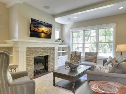 现代美式复式楼客厅壁炉装修效果图