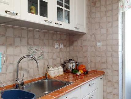 地中海风格四居室厨房橱柜装修设计