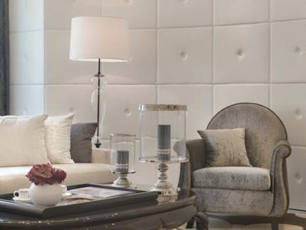 北欧小型别墅客厅护墙板装修设计