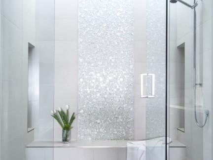 中型别墅浴室玻璃门浴缸装修设计