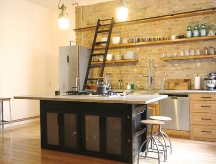 工业风格别墅开放式厨房置物架装修设计