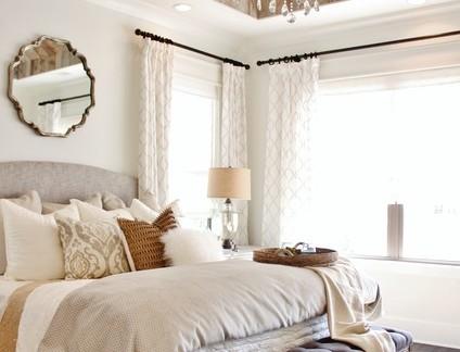 欧式风格卧室木质吊顶实景图