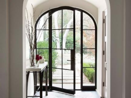地中海风格别墅玻璃大门装修设计
