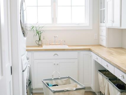 时尚美式风格别墅洗衣房储物柜装修设计