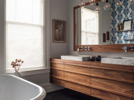 美式复式楼卫生间浴室柜装修设计