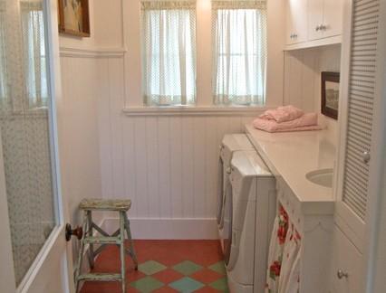 乡村美式别墅洗衣房储物柜装修设计