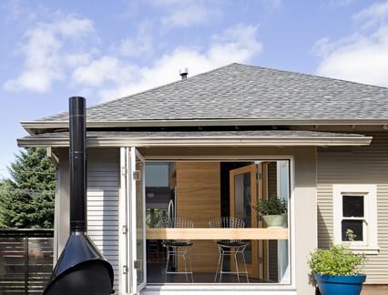 独栋别墅露台实木地板装修效果图