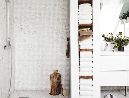 简约风格别墅卫生间浴室柜装修设计