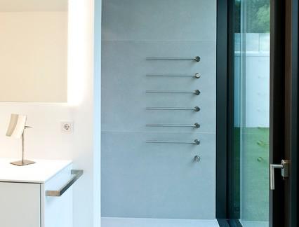 时尚现代风格别墅卫生间玻璃门装修设计