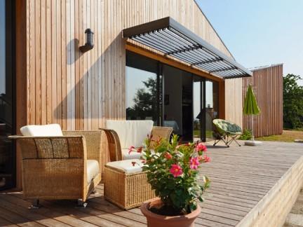 野外独栋别墅木制外墙装修效果图
