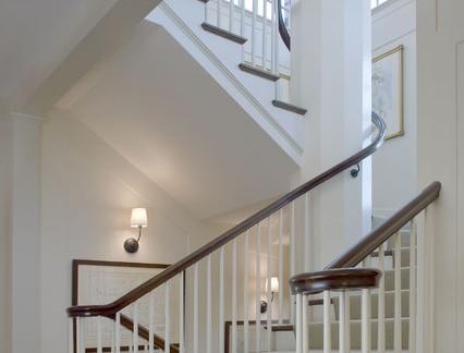 北欧别墅实木楼梯扶手装修设计