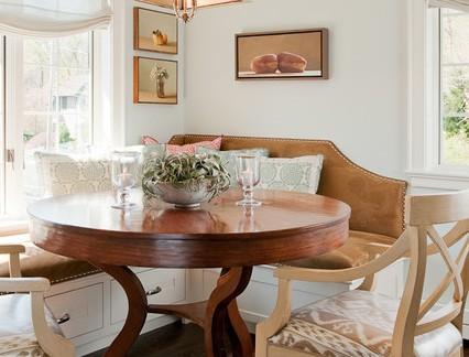 乡村田园风格餐厅圆形餐桌装修设计
