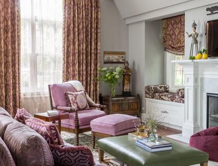 中等户型客厅碎花布艺窗帘效果图欣赏