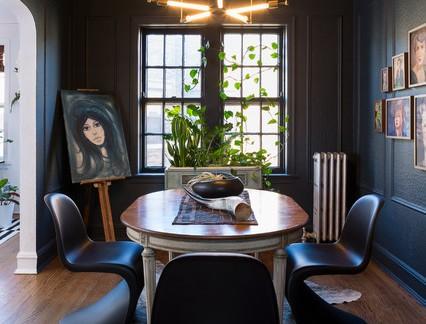 小型别墅古典餐厅实木餐桌装修设计