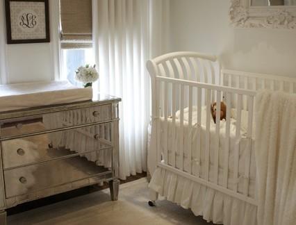 美式风格儿童房经典实木婴儿床图片欣赏