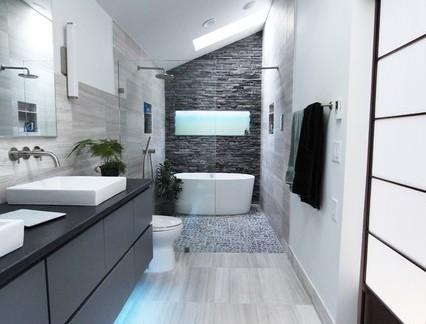 后现代风格大户型别墅卫生间洗手台浴缸摆放图