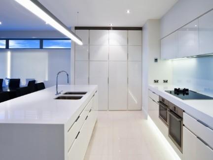 现代风格公寓大型厨房整体橱柜装修设计