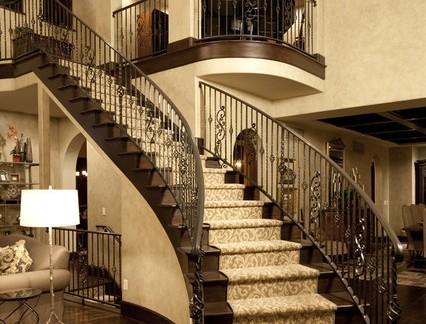 复古欧式风格别墅楼梯装修效果图
