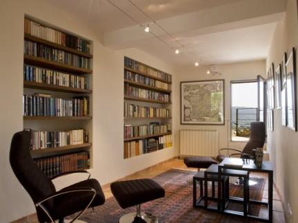 书香气息地中海风格客厅书架实景图