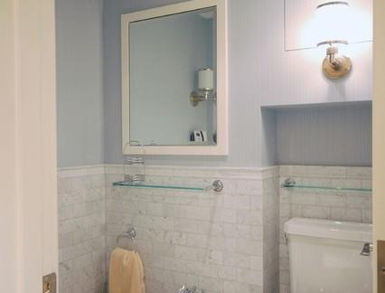 地中海风格别墅卫生间墙裙瓷砖装修设计