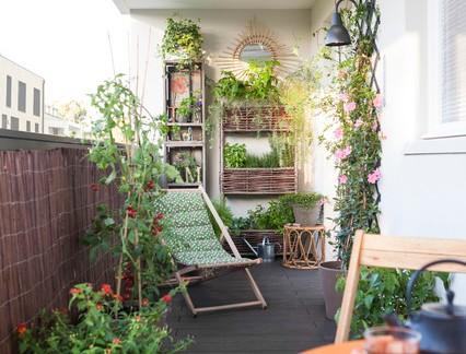 田园风格四居室阳台绿植装修设计