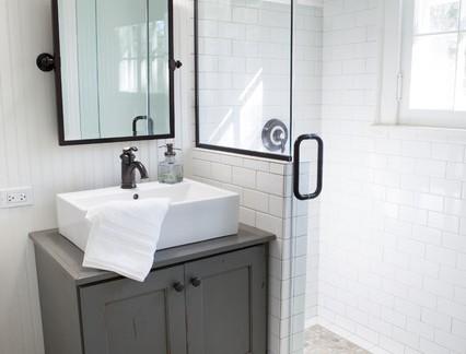 小户型淋浴间浴室柜装修设计