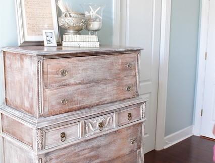 复古风格复式楼卧室实木装饰柜图片欣赏