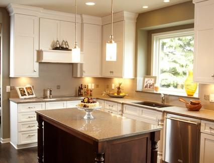 美式风格别墅厨房实木橱柜装修设计