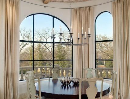 后现代风格别墅餐厅飘窗吊灯装修效果图