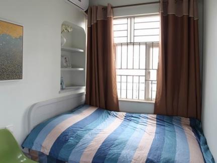 110平三室一厅休闲整洁次卧床装修效果图