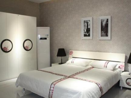 一居室白色现代简约床头柜效果图