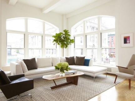 明快温暖的简约大窗客厅茶几家居设计