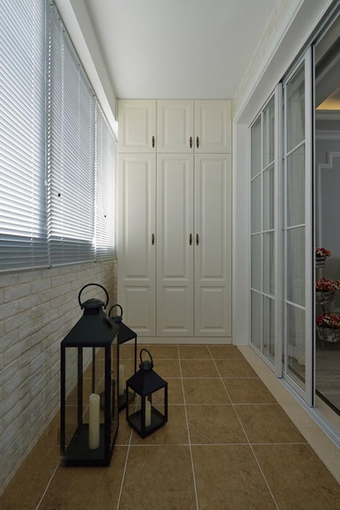 后现代两居室简约风阳台装修效果图